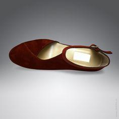 Bordeaux-roter Riemchen-Pumps aus Veloursleder – Eleganz beginnt mit ZARIFA ❤️