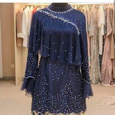 Image may contain: people standing Dress Muslim Modern, Kebaya Modern Dress, Muslim Dress, Gaun Dress, Dress Brokat, Kebaya Lace, Kebaya Dress, Muslim Fashion, Hijab Fashion