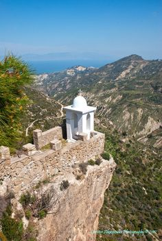 Θέα από το ιστορικό μοναστήρι της Παναγίας της Καταφυγιώτισσας, Ευρωστίνα, Αχαϊα.