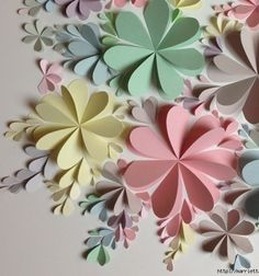 Flower wall art from heart shapes and construction paper // Virágos fali dekorációk és képek színes papír szívekből  // Mindy - craft tutorial collection