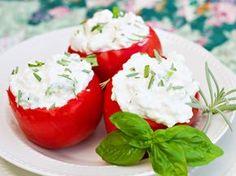 Creo que aún me quedan jitomates en la nevera y no voy a dudar en preparar alguna cosa más con ellos. Otro plato más, con los ricos tomates del verano.