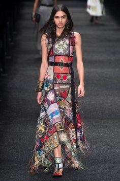 knitwear inspiration-Alexander McQueen Fall 2017 Ready-to-Wear Collection Photos - Vogue