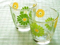 #daisy #sour cream glasses #vintage kitchen  Everyone love daisies.  Love the vintage (dated) colors.