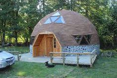 Resultado de imagen para casa domo chile #cocinasmodernaschicas Yurt Home, Cob Building, Geodesic Dome Homes, Dome House, Timber Frame Homes, Round House, Grand Designs, Hobby Farms, Simple House