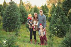 family photo ideas, holiday family photos, christmas photos, tree farm…