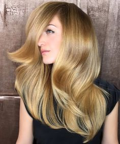 Rosa offering an exclusive WomenHaircuts in Fremont CA and that is Balayage express highlights in Fremont CA Bangs With Medium Hair, Medium Hair Styles, Long Hair Styles, Celebrity Hairstyles, Hairstyles With Bangs, Cool Hairstyles, Hairstyle Ideas, Hair Foils, Professional Haircut