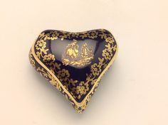 LIMOGES FRANCE NAVY AND GOLD HEART BOX WITH LID