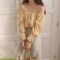 Find images and videos about girl, aesthetic and yellow on We Heart It - the app to get lost in what you love. Hipster Fashion, Asian Fashion, Boho Fashion, Fashion Outfits, Vintage Fashion, 80s Fashion, Fashion Online, Fashion Trends, Fashion Tips For Girls
