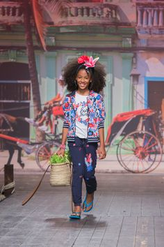 Children's fashion from Spain Pitti Bimbo 87 and Spring Summer 2019 kids fashion trends from Spain Boboli Young Fashion, Tween Fashion, Trendy Fashion, Fashion Trends, Girl Fashion Style, Fashion Design, Teen Winter Outfits, Kids Wardrobe, Romantic Outfit