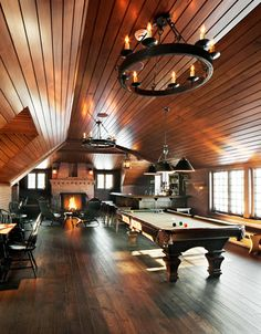 ⚜ Espacio recreativo en casa... Attic game/billiard room