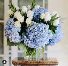 Blue Wedding Flowers, Wedding Bouquets, Beautiful Flowers, Wedding Blue, Beautiful Life, Spring Wedding, Beautiful Pictures, Wedding Dresses, Deco Floral