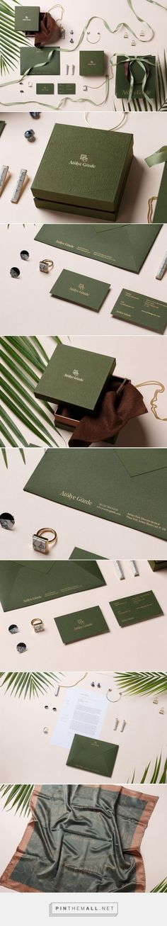 Forest green packaging and branding design. Natural green jewellery box styled with plants and ribbon. Corporate Design, Brand Identity Design, Graphic Design Branding, Logo Design, Web Design, Design Blog, Packaging Design Inspiration, Graphic Design Inspiration, Lettering