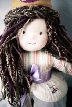 waldorf doll....LOVE this one's facial expression/hair!