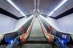 Wien: Die Ästhetik der U-Bahn - Reiseblog von Christian Öser U Bahn, Train, Central Station, Architecture, Strollers