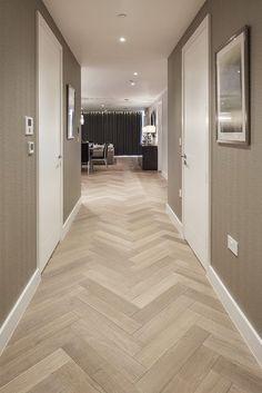 Hallway Flooring, Timber Flooring, Hardwood Floors, Herringbone Wooden Floors, Pose Parquet, Wood Floor Design, Open Plan Kitchen Living Room, Hallway Designs, Home Interior Design