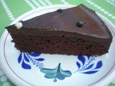 Easy moist chocolate cake with great ganache glaze