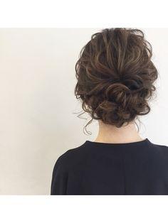 Find hairstyles and hairstyles for your hair set-hair catalog [キレイスタイル] - Short Hair Styles Waitress Hairstyles, Messy Hairstyles, Pretty Hairstyles, Wedding Hairstyles, Wedding Hair And Makeup, Bridal Hair, Hair Makeup, Hair Arrange, Hair Setting