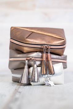 Süße Kosmetiktaschen aus Kunstleder mit Quasten - Anleitung und kostenloses Schnittmuster von pattydoo
