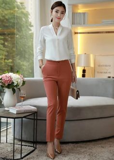 business attire for women Classy Work Outfits, Office Outfits Women, Stylish Outfits, Fashion Outfits, Workwear Fashion, Fashion Blogs, Girl Fashion, Woman Outfits, Fashion Fall