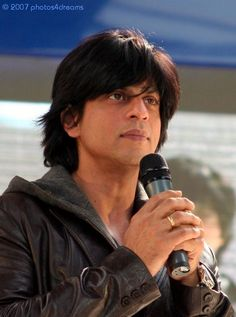 Shah Rukh Khan get more hd wallpapers click here http://picchike.blogspot.com/