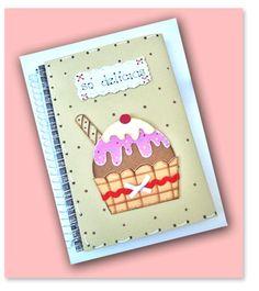 Capa de caderno de receitas decorado com EVA no tema Cup Cake