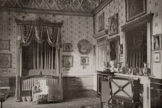 The Lothians: The Royal Residences of Queen Victoria - Buckingham Palace Queen Victoria Prince Albert, Victoria Reign, Victoria And Albert, Victorian Decor, Victorian Homes, Victorian Era, Buckingham Palace, Vintage Interiors, Victorian Interiors