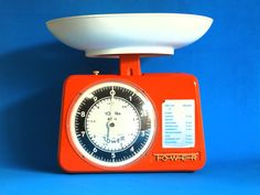 Funky Tower Metal Kitchen Scales  60s Vintage Home by FunkyKoala