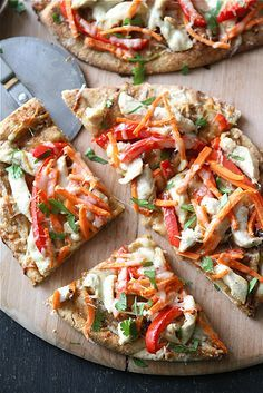 Thai Chicken Naan Pizza Recipe with Peanut Sauce, Red Pepper & Carrots...This is a must-try!  | cookincanuck.com #pizza