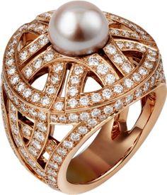 Paris Nouvelle Vague ring Pink gold, freshwater pearls, diamonds