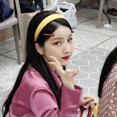 Gfriend Sowon, G Friend, My Girl, Cool Pictures, Kpop, Icons, Apple, Babies, Random
