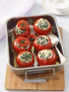 Gefüllte Tomaten mit Spinat & Ricotta: http://kochen.gofeminin.de/rezepte/rezept_gefullte-tomaten-mit-spinat-und-ricotta_336598.aspx #vegetarisch