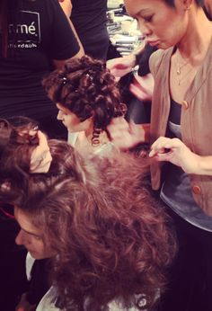 Make it bigger, Jeanie Syfu!  Backstage from Jenny Packham show! #TRESmbfw #mbfw