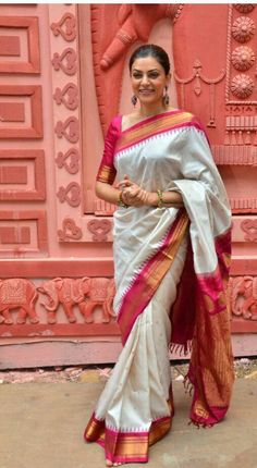Red and white sari, simple elbow length blouse, pulled back hair, chandelier earrings.Love the whole look Saris, Silk Sarees, Kanjivaram Sarees, Kurti, Cotton Saree, Mehndi, Henna, Indian Attire, Indian Ethnic Wear