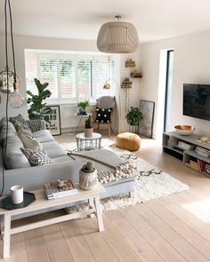 100 inspirational modern living room decor ideas for small apartment 16 Living Room Interior, Home Living Room, Scandinavian Interior Living Room, Interior Livingroom, Scandinavian Style, Kitchen Interior, Living Room Colors, Living Room Designs, Living Room Decor With Grey Couch