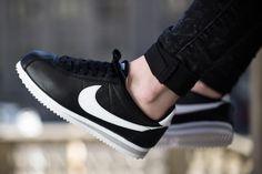 Nike Cortez Black, Nike Cortez Shoes, Nike Cortez Leather, Nike Classic Cortez, Nike Fashion, Fashion Shoes, Streetwear Fashion, Zapatillas Nike Cortez, Nike Boots