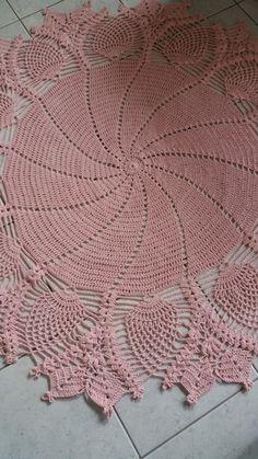 Crochet Books, Crochet Home, Thread Crochet, Lace Doilies, Crochet Doilies, Doily Patterns, Crochet Patterns, Red Table Decorations, Pineapple Crochet