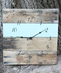 recycled pallet wood clock... who wants to make this for me?