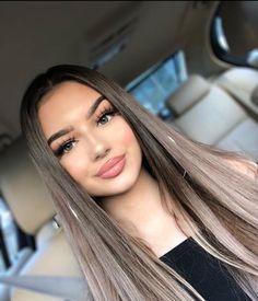 Image may contain: 1 person, closeup Glamour Makeup, Beauty Makeup, Hair Makeup, Hair Beauty, Snapchat Girls, Beauty Tips For Glowing Skin, Beautiful Long Hair, Tips Belleza, Perfect Skin