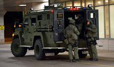 SWAT, GTI, RAID, GIPN... · Unités d'élite de la police  Galeries d'images   Hommes   Canoe.ca