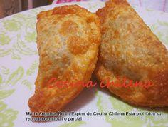 En Chile nos gusta comer empanadas pueden ser al horno y fritas estas son mas chiquitas   En Chile hay una variedad muy grand...