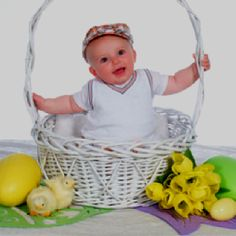 JERRA BABY IN A BASKET IF THEY'RE SMALL ENOUGH Easter shoot! Baby in basket is always a classic
