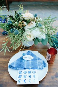 This Over the Moon baby shower is an amazing inspiration for any outdoor dinner party or shower, now on the Shift Creative blog!