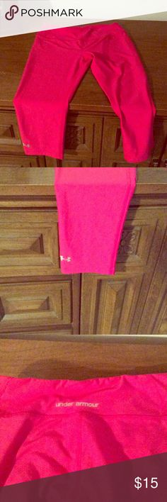 Under Armor cropped leggings Under Armor pink cropped leggings- in great condition, worn a couple of times! Under Armour Pants Ankle & Cropped