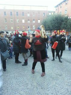 Bologna danza e vain corteo contro il femminicidio