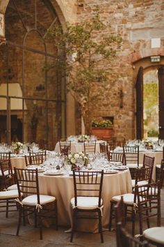 Italian wedding receptions - photo by Ed Peers Photography http://ruffledblog.com/italian-wedding-with-old-world-european-charm