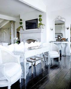 espresso floors, gray walls, white furniture <3