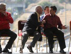 Oteiza de OHL hablando con Peña Nieto cuando era gobernador de Edomex.Foto La Jornada Astillero