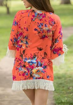 LoverMalls Red Floral Tassel Fringe Cardigan Boho Beach Kimono Cover Up Casual Cardigan Coat Outfits For Teens, Fall Outfits, Casual Outfits, Cute Outfits, Fashionable Outfits, Fashion Outfits, Fashion Trends, Women's Fashion, Beach Kimono