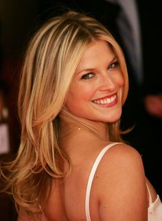 I think I'm in love with Ali Larter's hair color Gorgeous Hair Color, Gorgeous Blonde, Ali Larter, Legally Blonde, Glamour Magazine, Face Forward, Female Actresses, Best Face Products, Hair Day