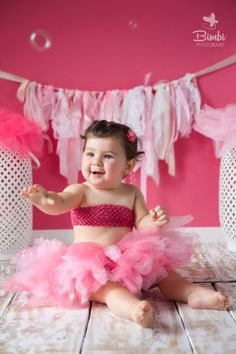 She leaves a little sparkle wherever she goes  #bimbiphotobaby #baby #babies #babygirl #firstbirthday #childphotography #kids #sweet #princess #tutu #pink #prettybaby #cute #love #bambino #bimbi #kinder #bebé